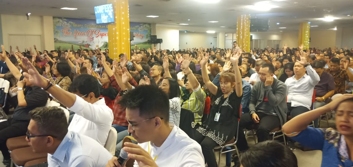 Over 1,000 youths immersed in a supernatural atmosphere at the GYLF Fire Conference in Bandung, Indonesia.